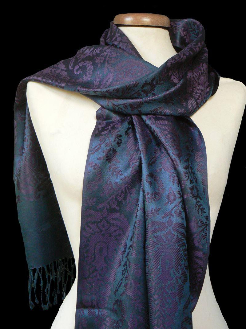 2b8bb9fbb91c Le foulard pure soie pour homme - Bienvenue sur le blog de Cadoterra